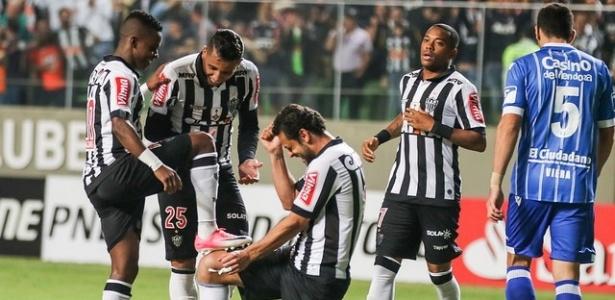 Cazares já tem cinco gols na Libertadores. Fred contabiliza seis e Chumacero tem sete