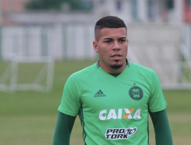 Thiago Carleto já treina no Coxa e aguarda apenas o BID
