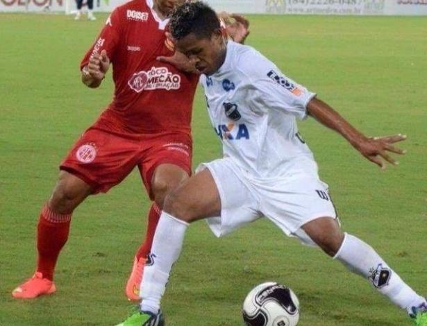 Luiz Felipe em ação pelo ABC-RN antes de transferência para o Internacional