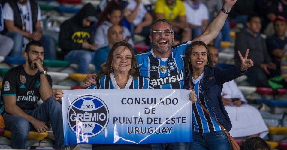 Torcedores do Grêmio exibem faixa no estádio da final do Mundial de Clubes