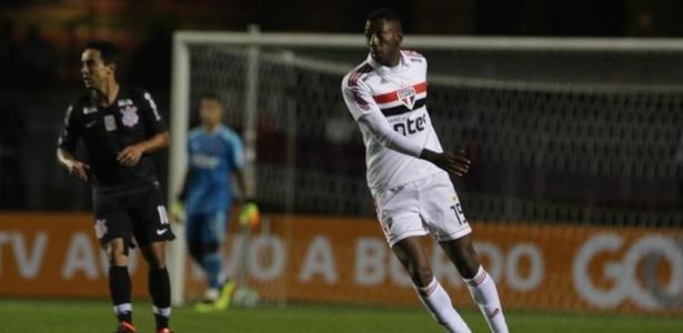 Gonzalo Carneiro estreou pelo Tricolor na vitória por 3 a 1 sobre o Corinthians - Rubens Chiri/saopaulofc.net