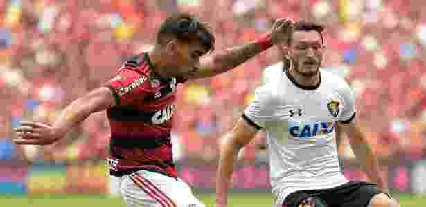 Sander em ação contra o Flamengo; jogador é dúvida por conta de uma lesão no tornozelo - Thiago Ribeiro/AGIF