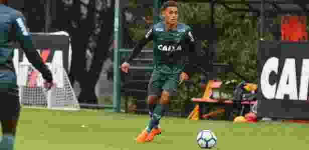 Meia de 18 anos foi promovido ao grupo profissional do Galo no início desta temporada - Bruno Cantini/Divulgação/Atlético-MG