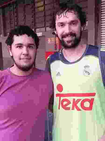 Luka Doncic registrou esta foto de Matheus com Sérgio Llull - Luka Doncic/UOL Esporte