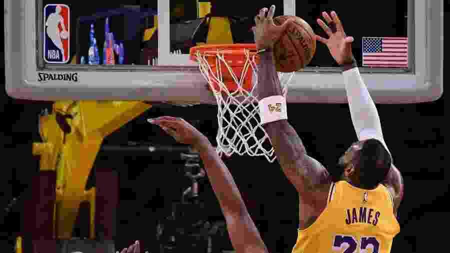 LeBron James na partida entre Los Angeles Lakers e Portland Trail Blazers pela NBA - Robert Hanashiro/USA TODAY