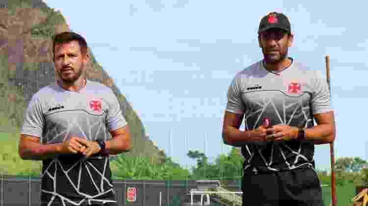 Ramon Menezes (esq.) e Alberto Valentim (dir.) durante treinamento no CT do Vasco - Rafael Ribeiro / Vasco