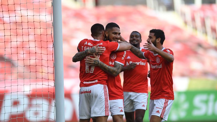 Jogadores do Internacional comemoram gol diante do Esportivo pelo campeonato Gaúcho - Ricardo Duarte/Internacional