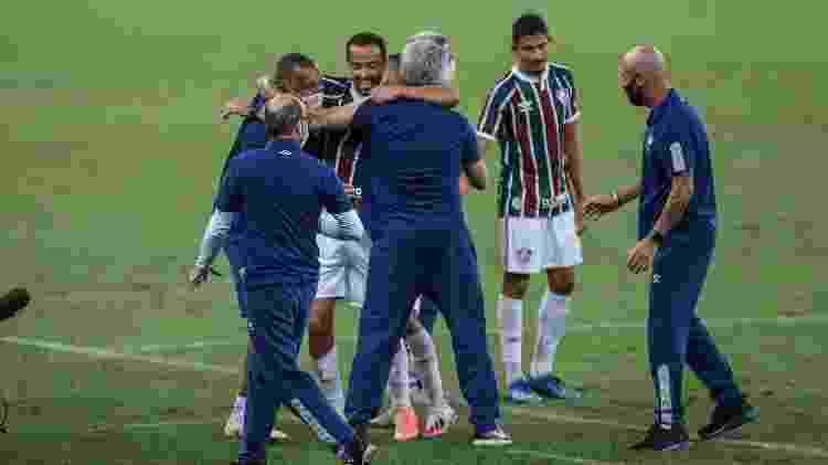 Nenê com Odair Hellmann: 2020 foi melhor ano do meia, que tinha ótima relação com técnico e virou líder do elenco - Lucas Merçon/Fluminense FC - Lucas Merçon/Fluminense FC