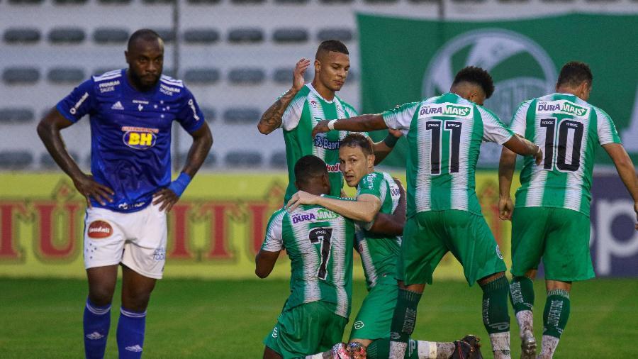 Derrota para o Juventude deu fim ao sonho do acesso e reacendeu alerta com o rebaixamento - Fernando Alves/AGIF