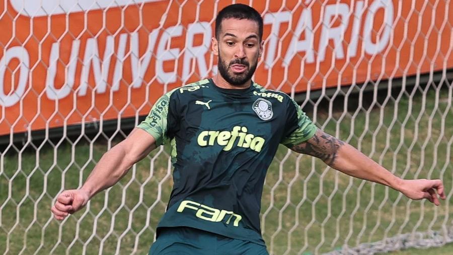 Luan, zagueiro do Palmeiras, em treino na Academia de Futebol - Cesar Greco/Palmeiras