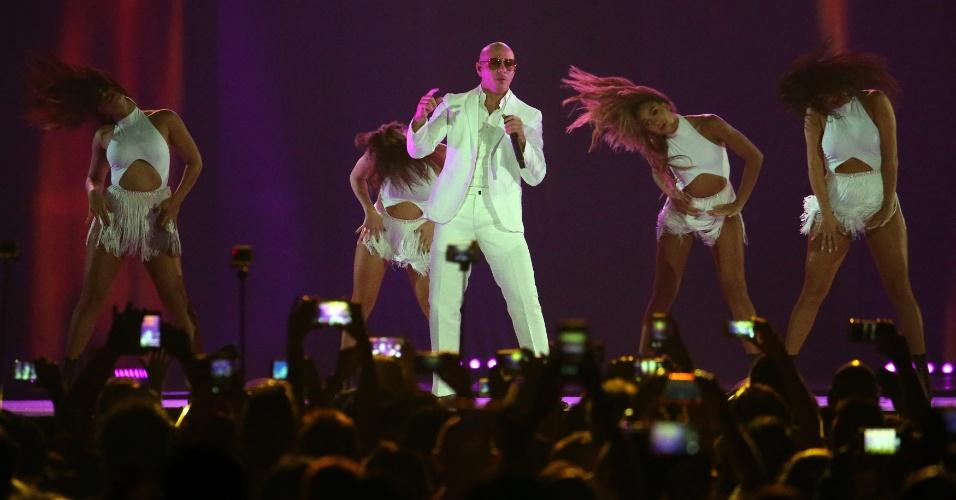 Pitbull se apresenta na cerimônia do Pan de Toronto