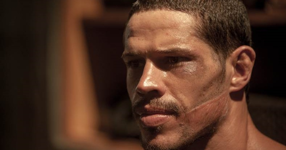 José Loreto intepreta José Aldo em longa-metragem que conta a vida do lutador manauara de UFC