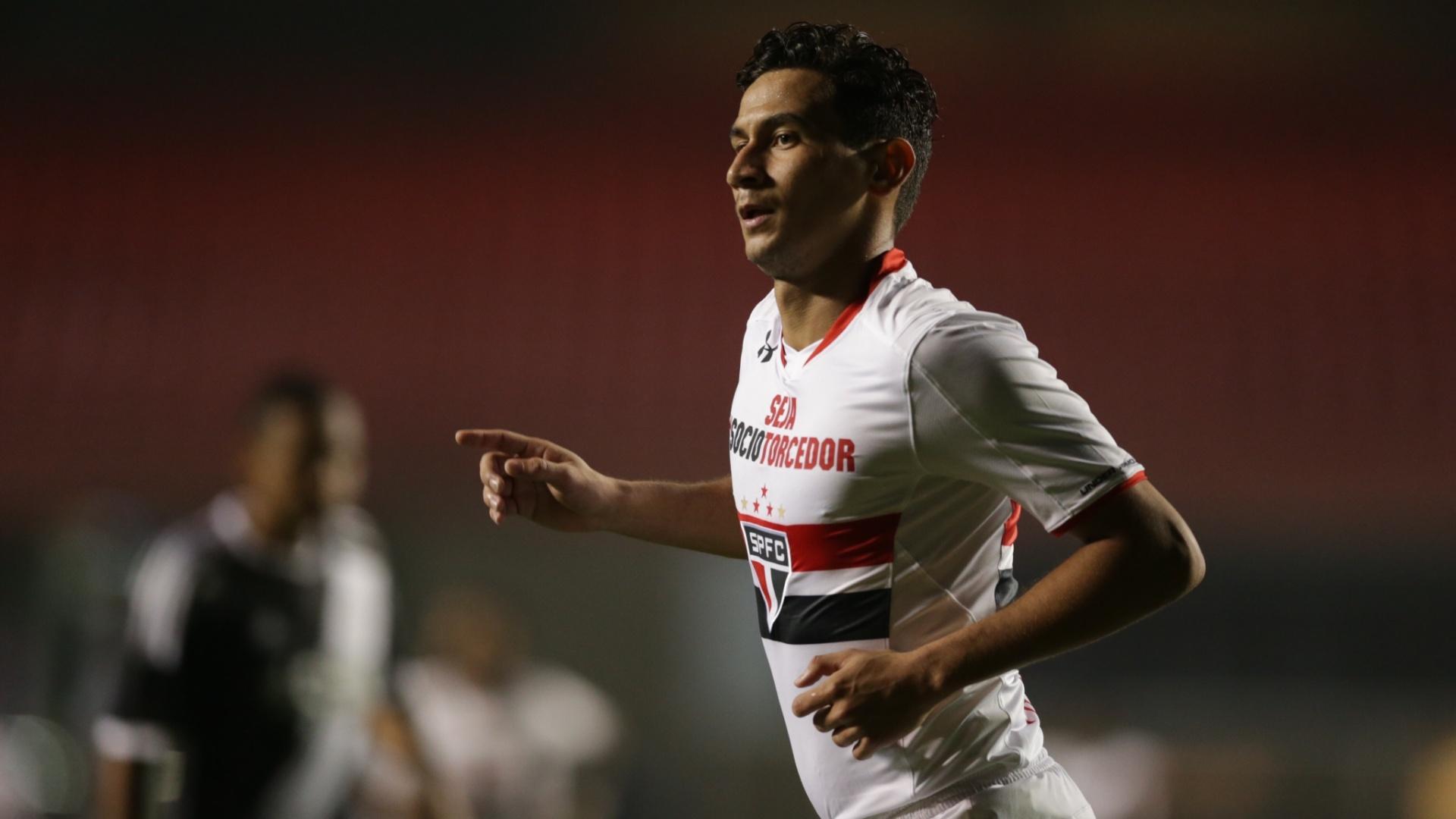 Ganso marcou o segundo gol do São Paulo após boa jogada de Alexandre Pato