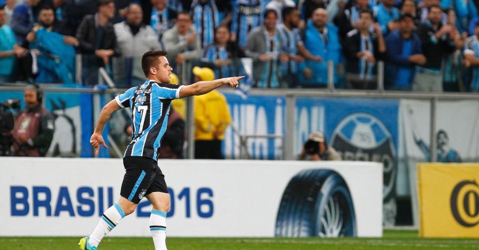 Ramiro marca para o Grêmio contra o Palmeiras