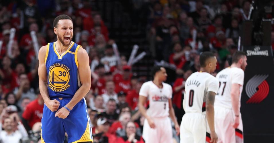Stephen Curry em vitória dos Warriors sobre os Blazers