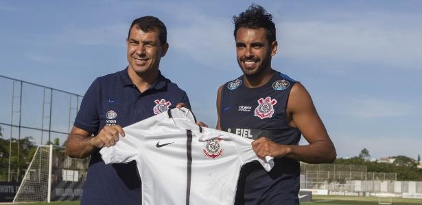 Atacante Júnior Dutra é uma das novidades do Corinthians para 2018