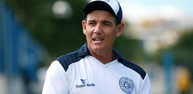 Paulo Roberto Santos é um dos líderes de classe dos técnicos de futebol do país
