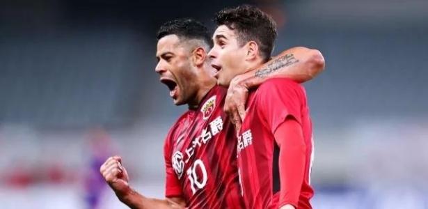 Hulk fez um e Oscar deu assistência para outro no clássico de Xangai deste sábado