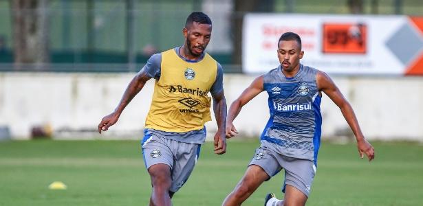 Paulo Miranda deixou jogo com ombro imobilizado e fará exame em Porto Alegre