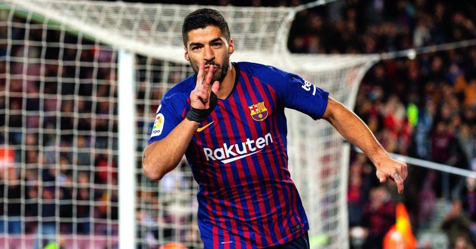 Luis Suárez comemora gol pelo Barcelona