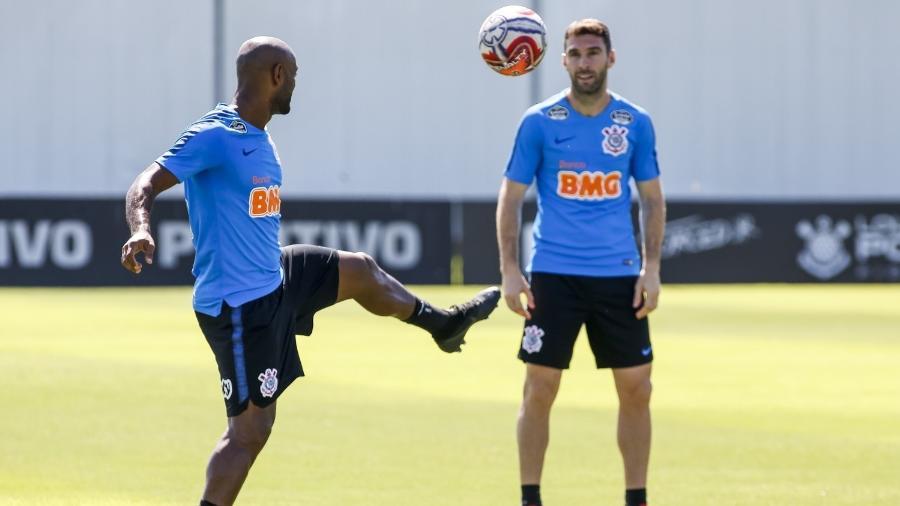 Vagner Love e Mauro Boselli tentam suprir a ausência de Gustavo no duelo contra o Ceará pela Copa do Brasil - Rodrigo Gazzanel/Ag. Corinthians