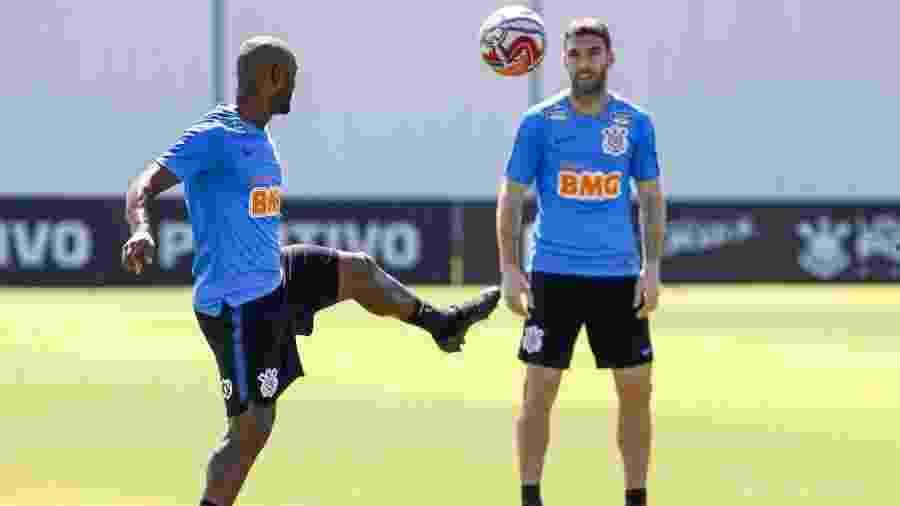 Badalados, Vagner Love e Mauro Boselli são dois dos reforços que ainda não renderam o melhor que podem - Rodrigo Gazzanel/Ag. Corinthians