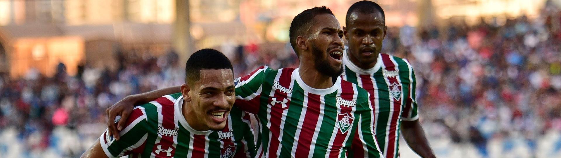 Everaldo comemora gol do Fluminense contra o Antofagasta
