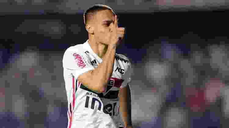 Antony comemora após marcar pelo São Paulo contra a Chapecoense - Alan Morici/AGIF