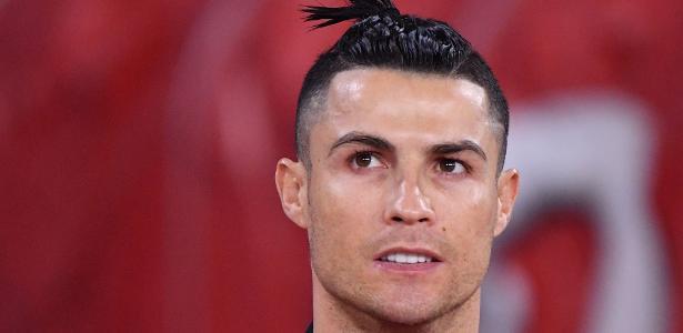 Cristiano Ronaldo aceita corte salarial e doa respiradores a hospital