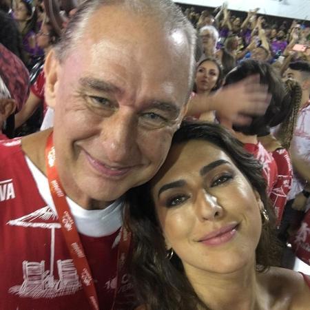 Comentarista Álvaro José ao lado da filha Fernanda Paes Leme -  Reprodução/Instagram