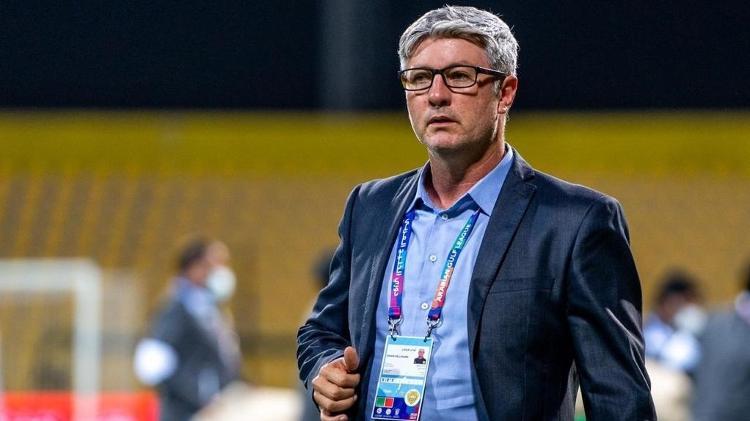 Odair Hellmann vive boa fase no Al-Wasl e não esquece o Fluminense, seu último clube no Brasil - Divulgação - Divulgação