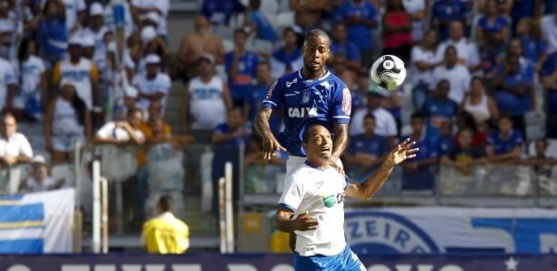 Zagueiro Dedé permanecerá no Cruzeiro até dezembro de 2018