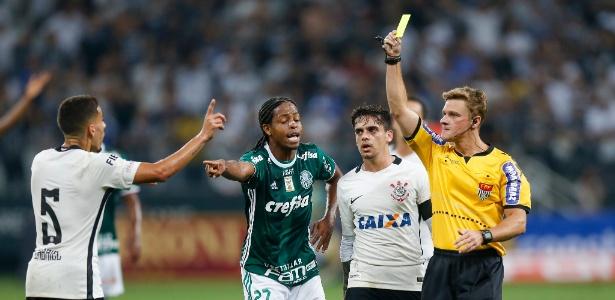 Keno 'delatou' Gabriel para o árbitro Thiago Duarte Peixoto