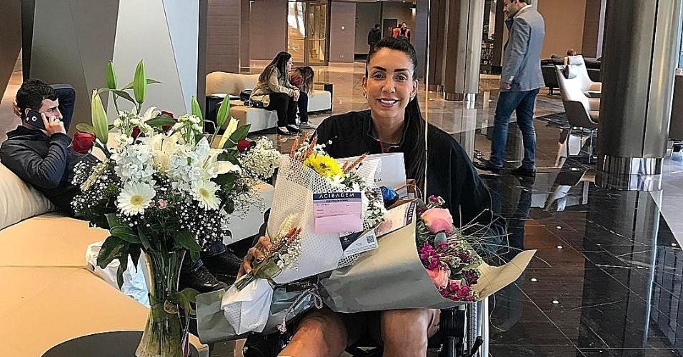 Thaisa deixa hospital na Turquia