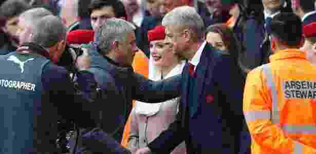 Mourinho e Wenger têm um histórico de encontros explosivos - Stefan Wermuth/Reuters