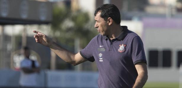 Corinthians planeja acordo por Carille e já quer começar 2018 em setembro