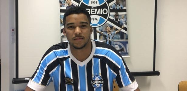 Jefferson Vinícius, 18 anos, também pode atuar como lateral esquerdo e volante - Divulgação/websoccer