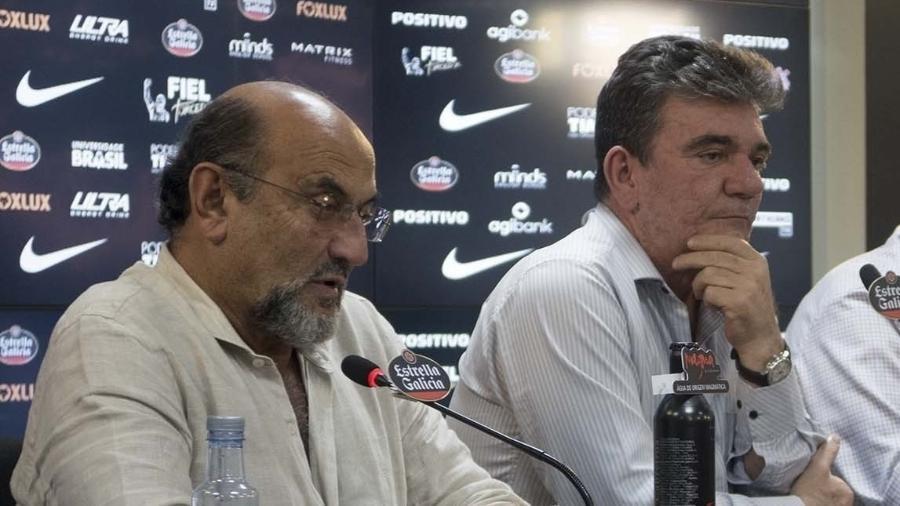 Luis Paulo Rosenberg (e) comparou falta de naming rights a problema com HIV e viu pressão por sua saída aumentar - Daniel Augusto Jr. / Ag. Corinthians