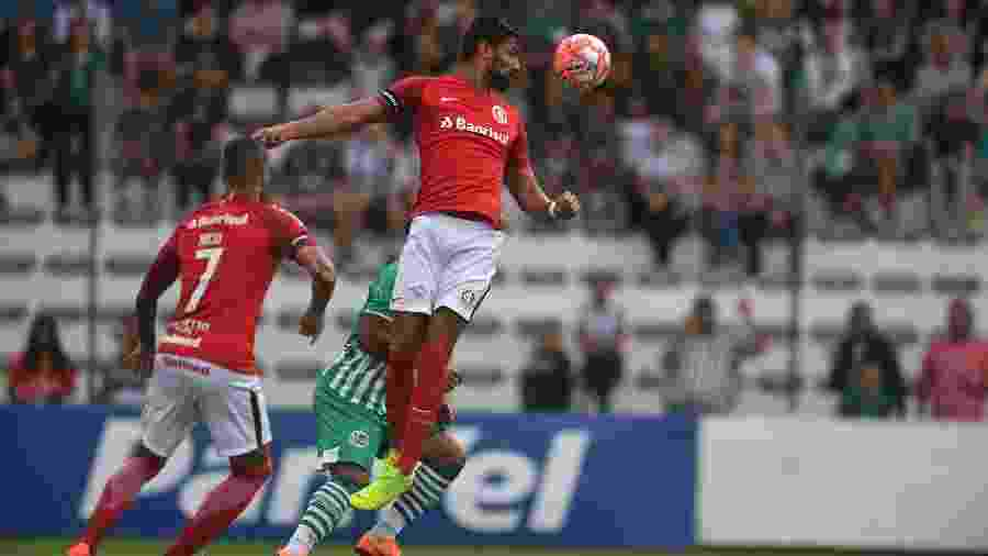 Santiago Tréllez ficou um mês fora do time e está voltando a ser utilizado - Ricardo Duarte/Inter