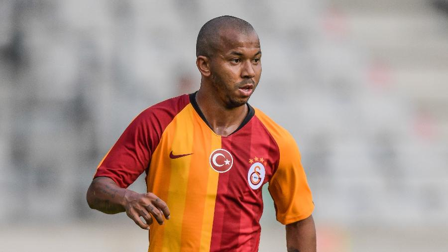 Mariano, jogador da Galatasaray, está na mira do Atlético-MG no mercado da bola - VI Images via Getty Images)