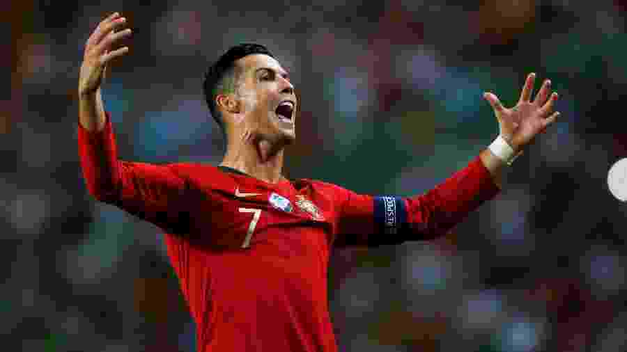 Cristiano Ronaldo comemora após marcar por Portugal sobre Luxemburgo - Rafael Marchante/Reuters