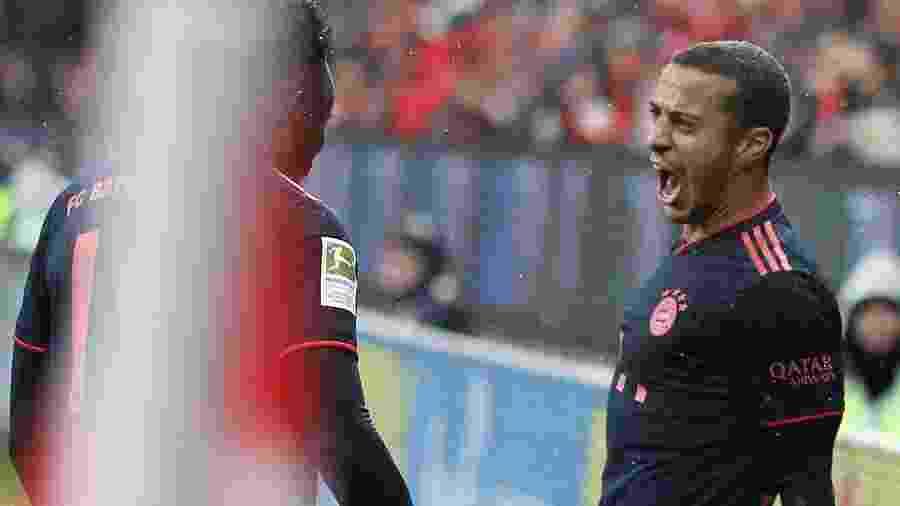Thiago Alcantara comemorando gol pelo Bayern de Munique no Campeonato Alemão - Daniel Roland/AFP