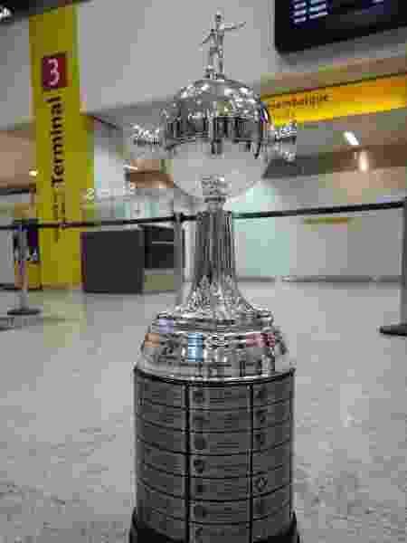 Réplica da taça da Libertadores que será entregue a Pelé - Conmebol