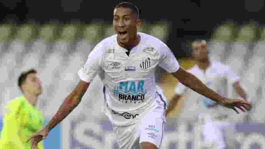 Bruno Marques comemora gol marcado em estreia pelo Santos - Pedro Ernesto Guerra Azevedo/Santos FC
