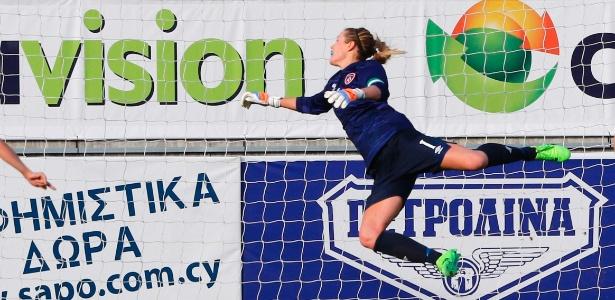 Capitã da seleção da Irlanda, goleira Emma Byrne