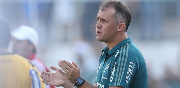 Eduardo Baptista admite fazer trocas no Palmeiras