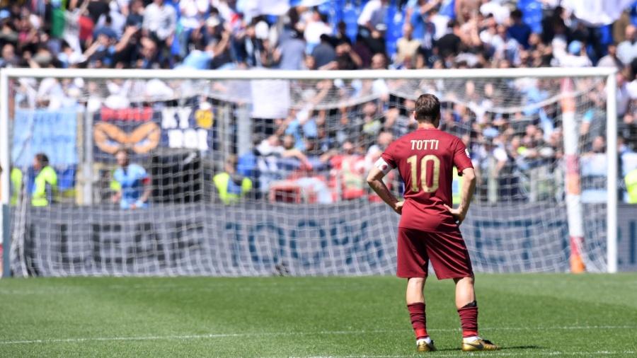 Francesco Totti se aposentou ao final da última temporada europeia - Xinhua/Alberto Lingria