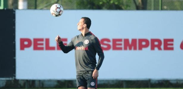 Leandro Damião pode estrear como titular do Internacional nesta terça-feira