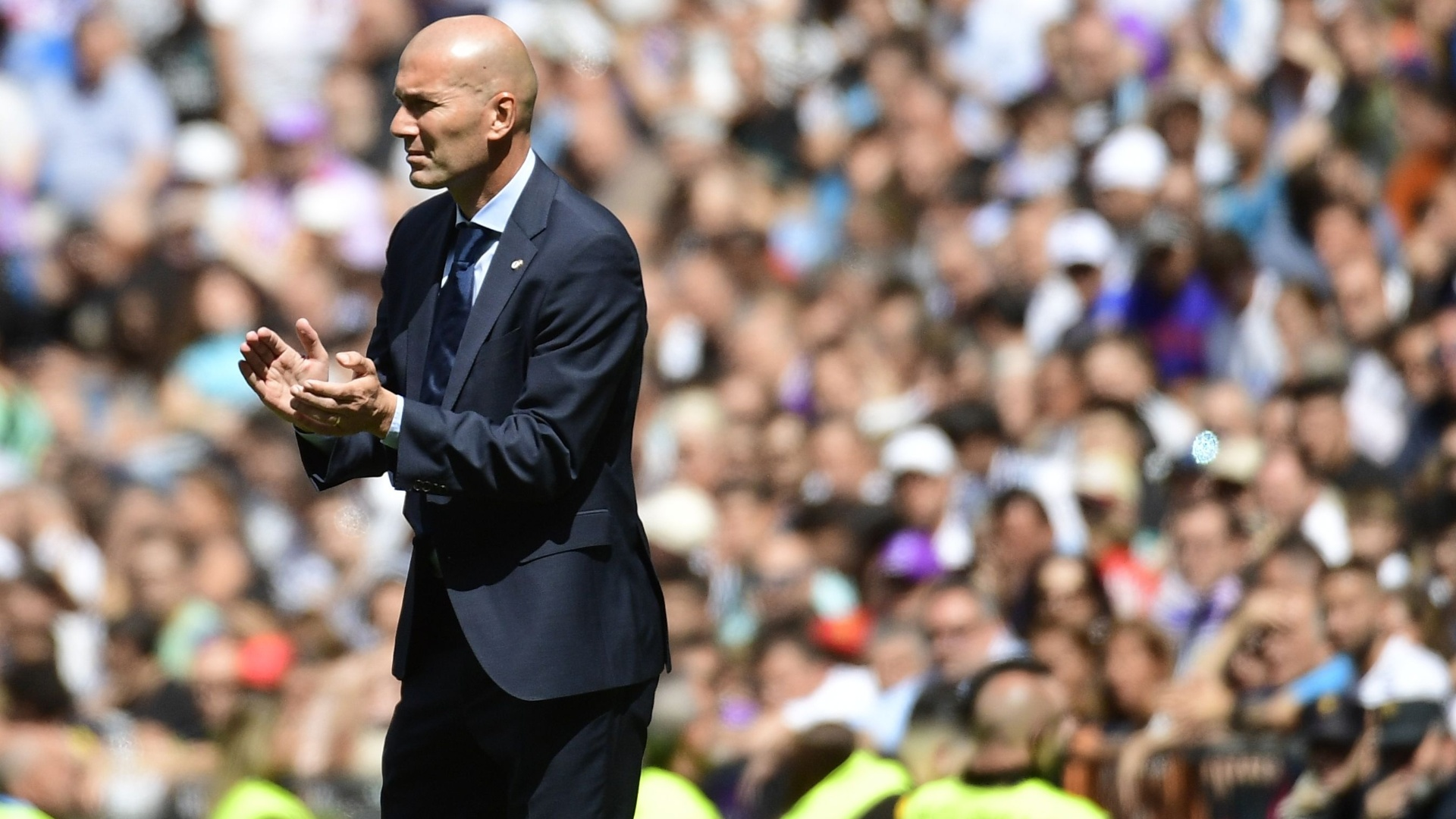 Zidane escalou time misto no Real Madrid