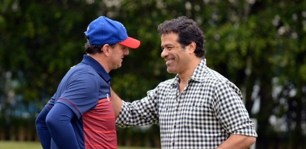 Rogério Ceni e Raí conversam durante treino do Fortaleza, neste ano